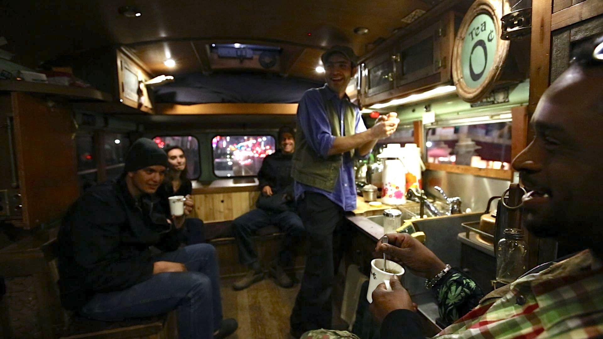 teabus-140-jpg